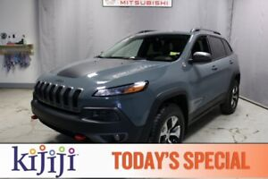 2015 Jeep Cherokee 4WD TRAILHAWK Leather,  Heated Seats,  Back-u