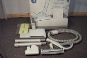 ELECTROLUX VACUUM CLEANER 8000 MODEL WITH 2 YEAR WARRANTY