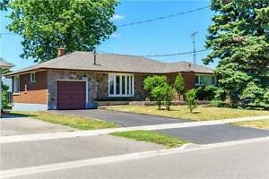 Gorgeous 5 rooms bungalow in Oshawa with quick access to 401
