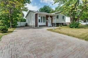 ****Detached Split Bungalow Greenfield Park**