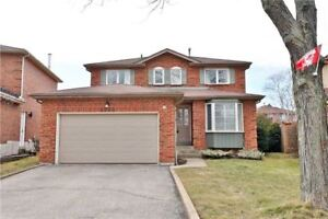 Lovely Detached in The Heart of Erin Mills! Pack Your Bags!
