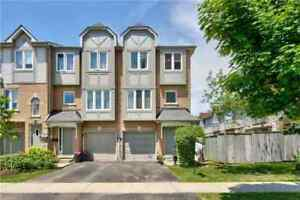 3BR End Unit Townhome Steps From Port Credit Mississauga