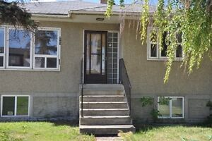 Large, Spacious, Clean 5 bedroom house for rent.
