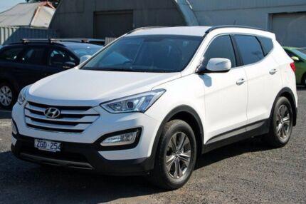 2012 Hyundai Santa Fe White Sports Automatic Wagon