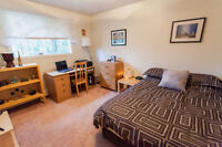 Safe and secure room, Minutes away from Mall & Mun
