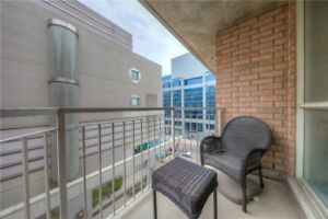 Large One Bedroom Unit In The Heart Of King West Village. King