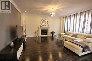 Amazing house with finished basement and sauna in Stouffville