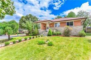 Fabulous Custom Built Bungalow On High Demand Willowdale