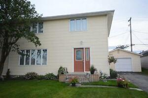 122 Howley Ave, Labrador City