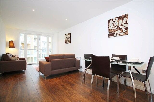 Stylish One Bedroom Flat In Modern Viridian Development Battersea
