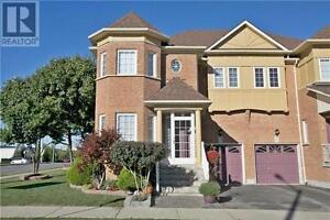 2 Navarre St Richmond Hill Ontario House for sale!