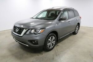 2018 Nissan Pathfinder 4WD SV TECH Accident Free,  Heated Seats,