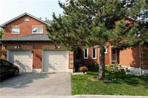****Large 3 Bed End Unit In Hurontario****