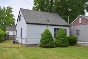 Excellent Starter Or Investment Property Near Shopping & Transit