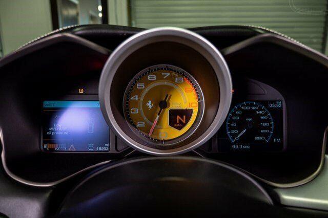 Image 18 Voiture Européenne d'occasion Ferrari FF 2014
