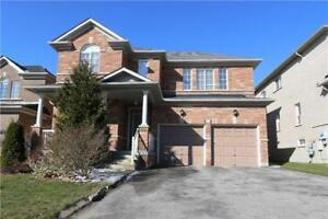 Newmarket Upper Canada Mall 3 BR Detached House for rent