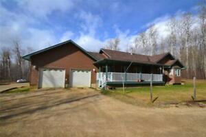 Home for Sale in Rural Strathcona County,  (5bd 3ba/1hba)