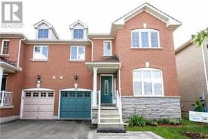 173 Flagstone Way Newmarket Ontario Beautiful House for sale!