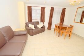 LARGE FOUR BEDROOM TOWN HOUSE IN N2!!!