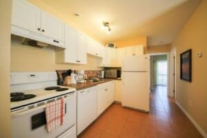 $990 - 37 Somerset, Quiet 2 Bdrm, w/Laundry, Incl Heat !