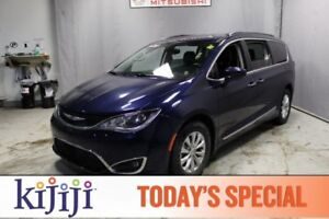 2017 Chrysler Pacifica TOURING L Leather,  Heated Seats,  Back-u