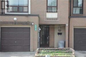 321 FLEETWOOD CRES Brampton, Ontario