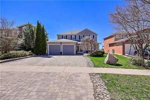 Large Family Home W/Finished W/O Bsmnt  W/Amazing View@Newmarket