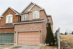 Beautiful 4 Bedrooms House At Dufferin!