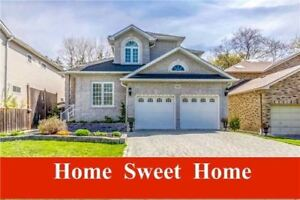 PICKERING CUSTOM HOME - 4  Bedroom Home In A Large Deep Lot