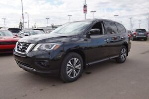2017 Nissan Pathfinder 4X4 S V6 Back-Up Cam, Bluetooth, Push But