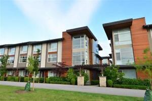 South Surrey Luxury 4 bedroom townhouse like new PRIME location