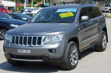 2013 Jeep Grand Cherokee Grey Sports Automatic Wagon