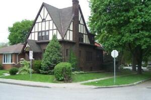 Beautiful Tudor Style Home, walk to UofW or Commute to USA