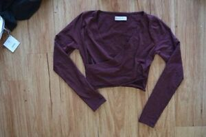 Abercrombie & Fitch long sleeve crop top NEVER WORN Kingston Kingston Area image 1