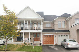 3 BR town house for lease in Alton Village Burlington