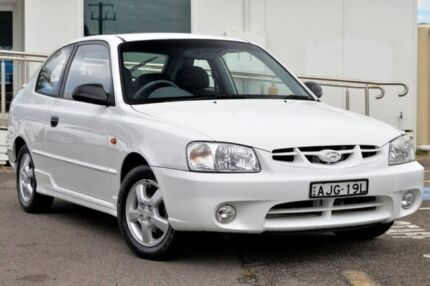 2000 Hyundai Accent LC GS White 5 Speed Manual Hatchback North Gosford Gosford Area Preview