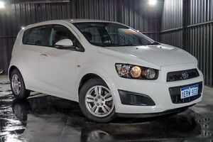 2014 Holden Barina TM MY14 CD White 5 Speed Manual Hatchback Wangara Wanneroo Area Preview