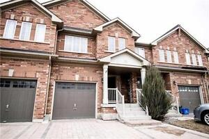 Stunning Townhouse with Fabulous and Spacious Layout!!!
