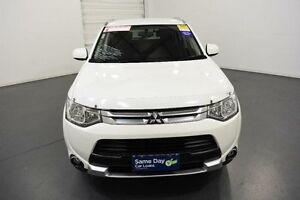 2014 Mitsubishi Outlander ZJ MY14.5 ES (4x4) White Continuous Variable Wagon Moorabbin Kingston Area Preview