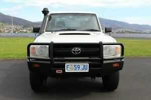 2007 Toyota Landcruiser VDJ79R Workmate White 5 Speed Manual Cab Chassis Invermay Launceston Area Preview