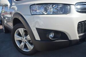 2011 Holden Captiva CG Series II 7 AWD CX White 6 Speed Sports Automatic Wagon Waitara Hornsby Area Preview