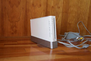 NINTENDO WII CONSOLE AND CORDS ONLY +++ PLUS ONE GAME