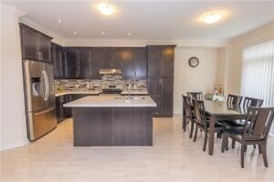 ** Gorgeous 4 Bedroom House For Sale in Brampton!!