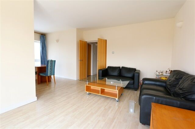 2 bedroom flat in Jetty Court, Old Bellgate Place, Isle of Dogs