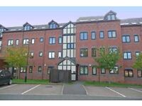 Double room in 2 bed flat in desirable, gated development
