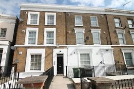 2 bedroom flat in New Cross Road, New Cross, London