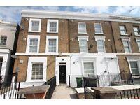 2 bedroom flat in New Cross Road, New Cross, London