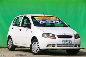 2004 Daewoo Kalos T200 White 5 Speed Manual Hatchback Ringwood East Maroondah Area Preview