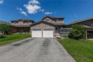 BARRIE BEST PRICED LOWER LEVEL UNIT FOR LEASE W/ 2 PARKING!!!