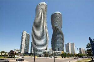 Spacious Bright And Sunny 2 Bedroom Unit In Heart Of Mississauga